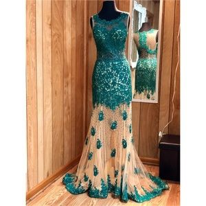 Prom Dress/ Formal Gown/ Homecoming Court Dress